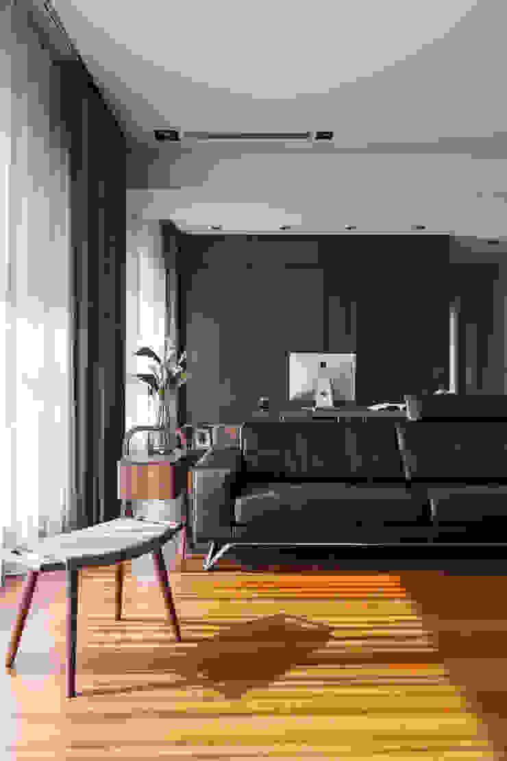 落地窗的一角: 現代  by 一水一木設計工作室, 現代風