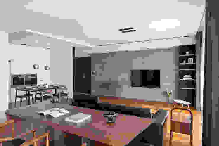 明亮的開放式書桌: 現代  by 一水一木設計工作室, 現代風