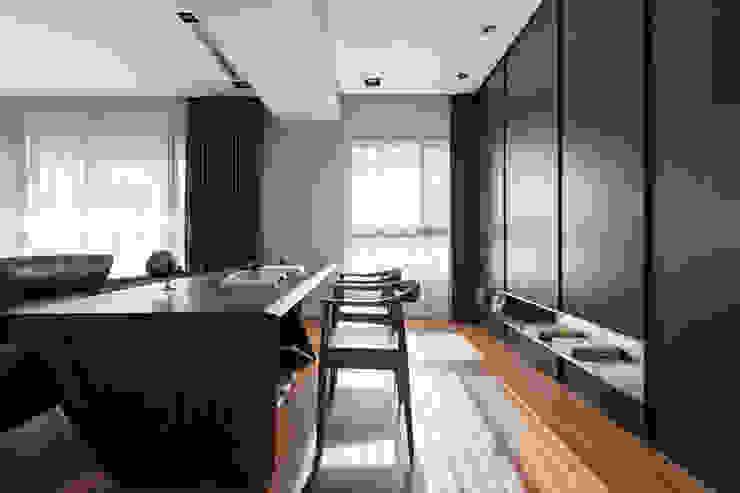 櫃體一角: 現代  by 一水一木設計工作室, 現代風