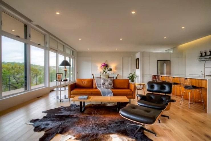 Airbnb Texas l: modern  by Urban Savvy Design, Modern