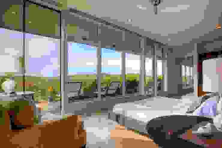 Airbnb Texas : modern  by Urban Savvy Design, Modern