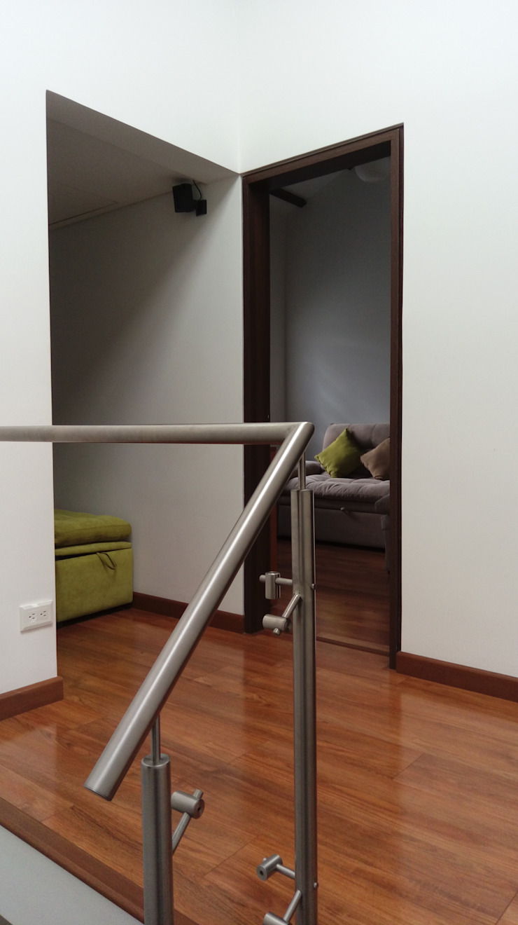Corredores, halls e escadas modernos por Erick Becerra Arquitecto Moderno