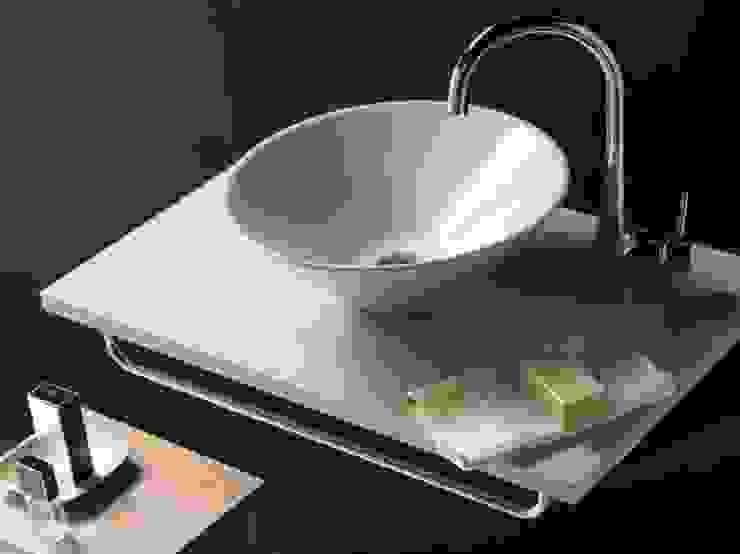 Lavatório BATHCO Casas de banho minimalistas por Aprifer Minimalista