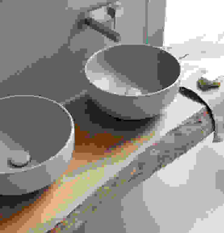 Lavatórios de cor CIELO Casas de banho modernas por Aprifer Moderno