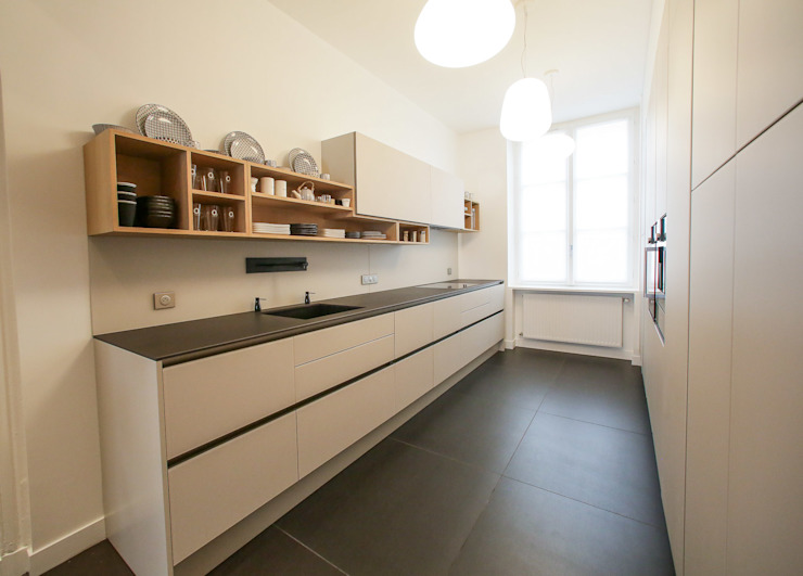 Kitchen by Myriam Wozniak Architecture et décoration, Minimalist