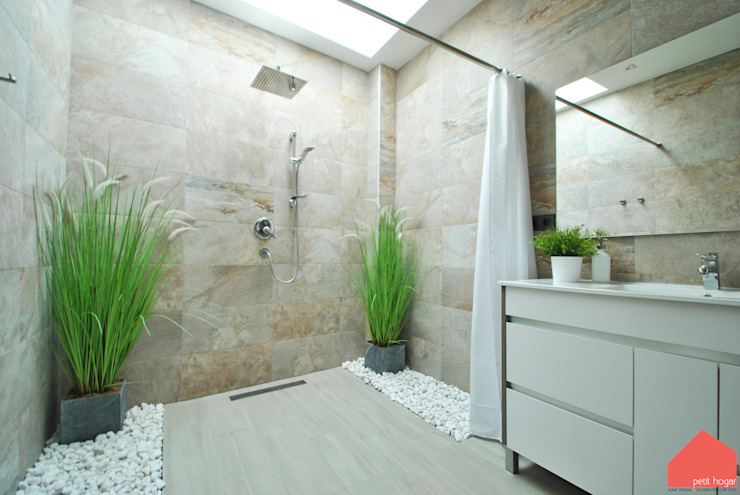 Modern style bathrooms by b2v arquitectura Modern