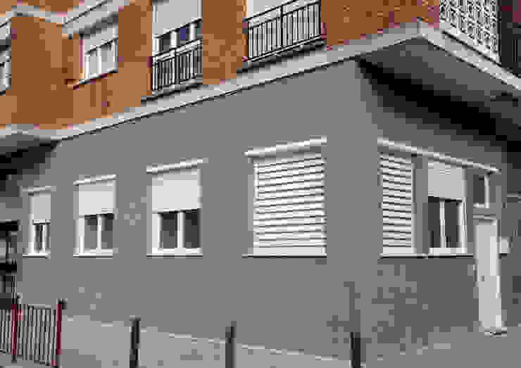 Rumah Minimalis Oleh POLITA proyectos y reformas Minimalis