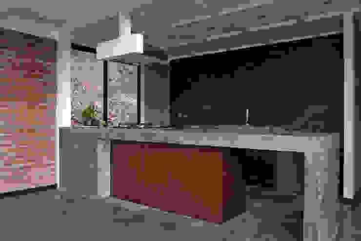 MOBILIARIO DE COCINA OPEN: Cocinas de estilo  por Directorio Inmobiliario