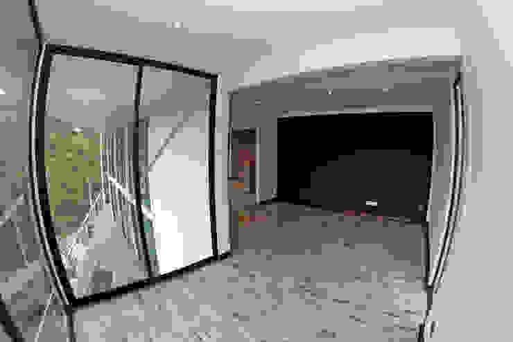 DORMITORIO PRINCIPAL Dormitorios de estilo mediterráneo de Directorio Inmobiliario Mediterráneo Derivados de madera Transparente