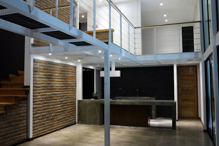 ILUMINACIÓN LED DE RECINTOS DESDE ESTAR COMEDOR Paredes y pisos de estilo mediterráneo de Directorio Inmobiliario Mediterráneo Ladrillos