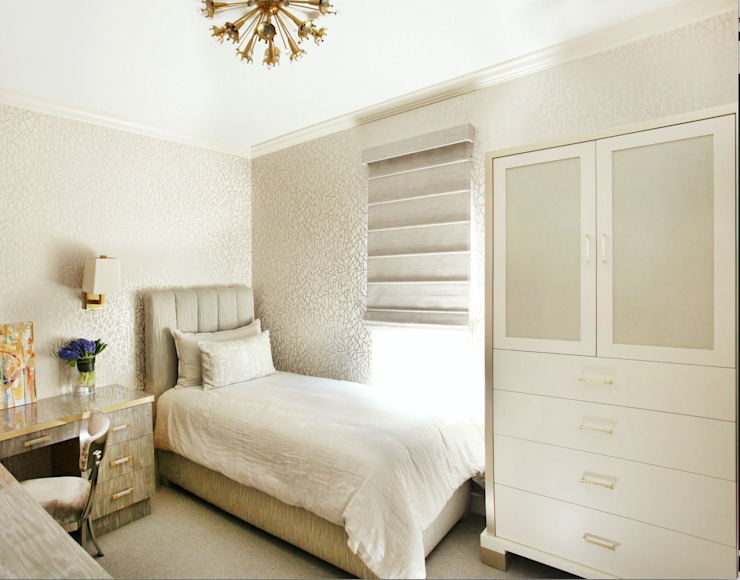 Art Collectors Residence Classic style bedroom by JKG Interiors Classic