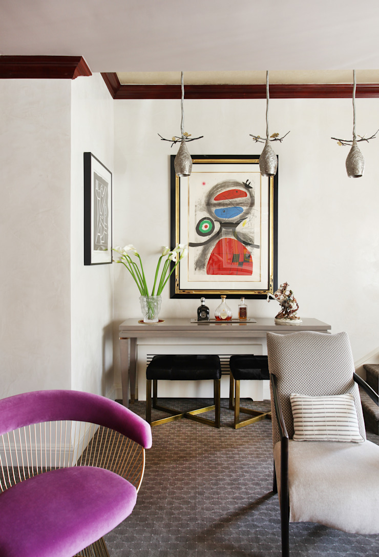 Art Collectors Residence من JKG Interiors كلاسيكي خشب متين Multicolored
