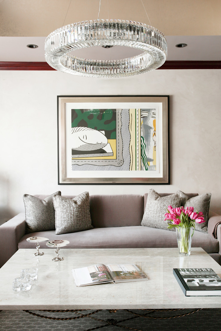 Art Collectors Residence by JKG Interiors Classic Silver/Gold