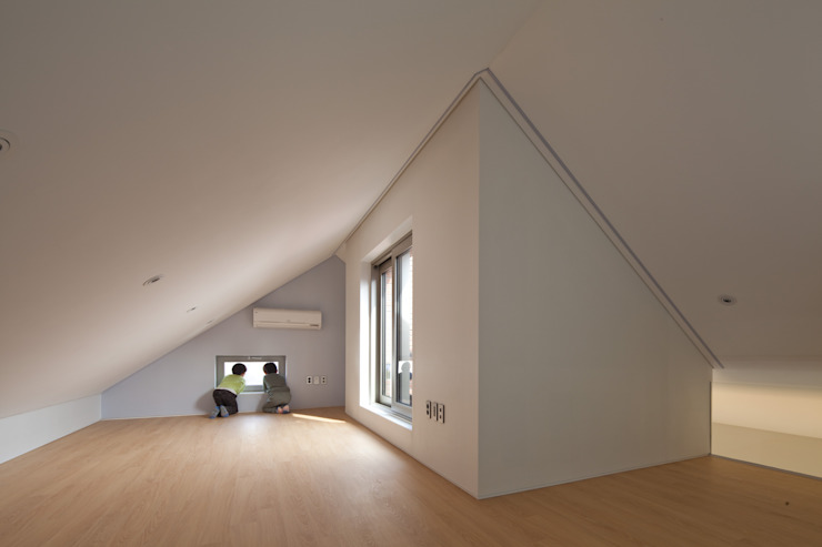 사이를 이어주는 집 ; LIFE_FACTORY 間 모던스타일 거실 by 남기봉건축사사무소 모던