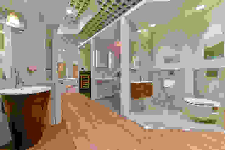 Will GmbH Modern Corridor, Hallway and Staircase