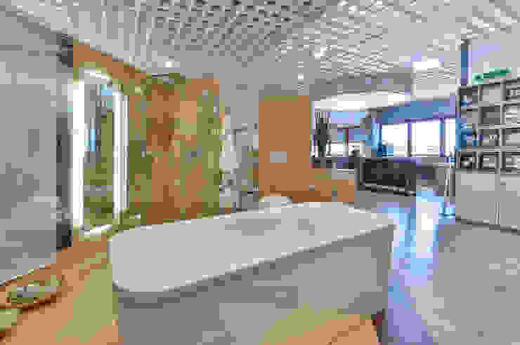 Will GmbH Mediterranean style bathrooms Ceramic Brown