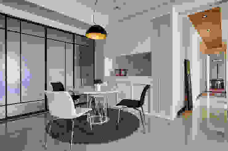 Dining room by 舍子美學設計有限公司
