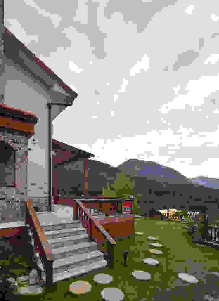 밀양 주택 아시아스타일 주택 by (주)에이도스건축사사무소 한옥