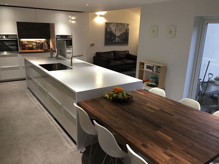 Contemporary Kitchen Cocinas modernas de Spaceout Moderno