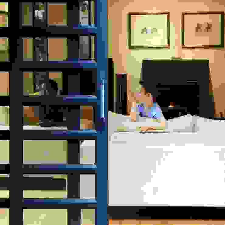 Modern living room by Ininside Modern