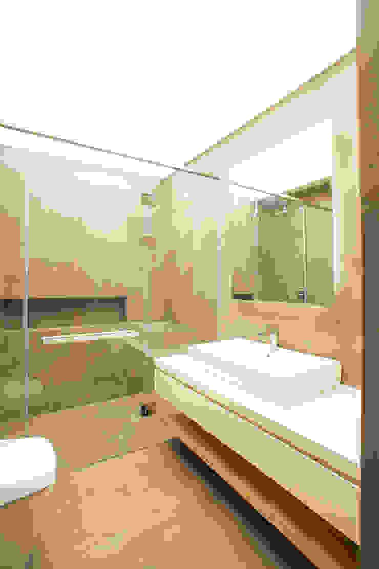 C House Renovation 모던스타일 욕실 by 유닛레스 모던