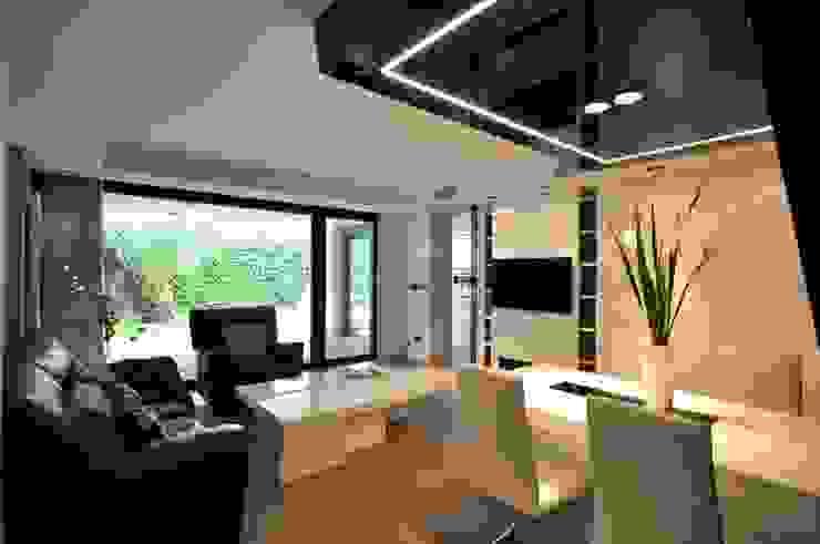 Salones de estilo moderno de Estudio Arinni S.L. Moderno