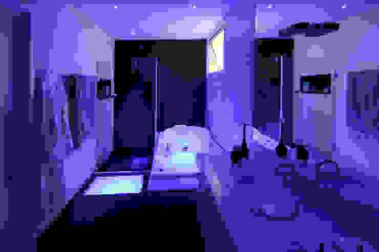 Banheiro da Suíte Master Arquinovação - Projetos e Obras Banheiros modernos