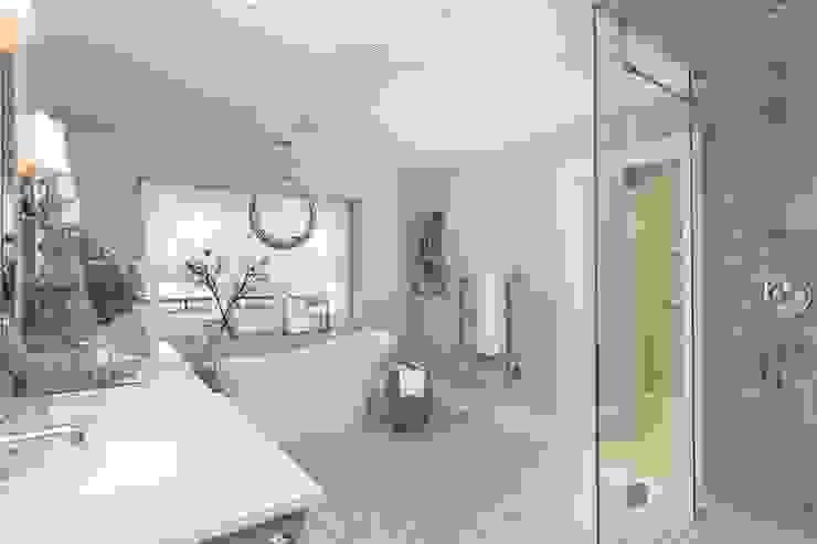 Salle de bain classique par Frahm Interiors Classique