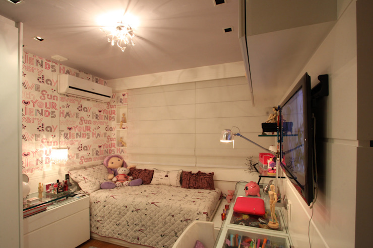 Nursery/kid's room by Arquinovação ,