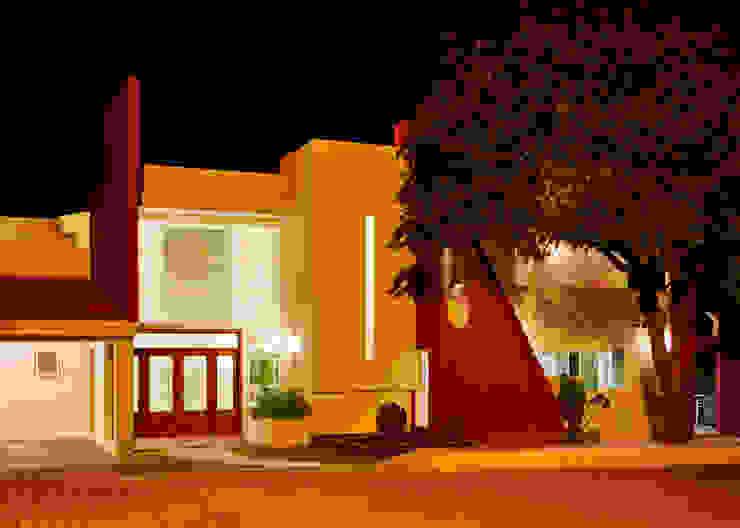 Modern Houses by Excelencia en Diseño Modern Bricks