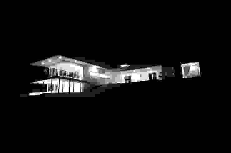 Vivienda JVL, Rinconada de Los Andes Casas estilo moderno: ideas, arquitectura e imágenes de C3proyecta Moderno