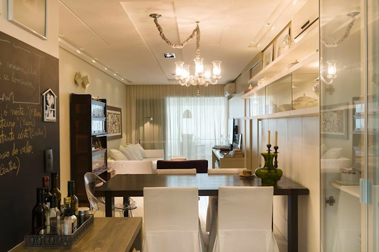 Rustic style dining room by Daniela Tolotti Arquitetura e Design Rustic