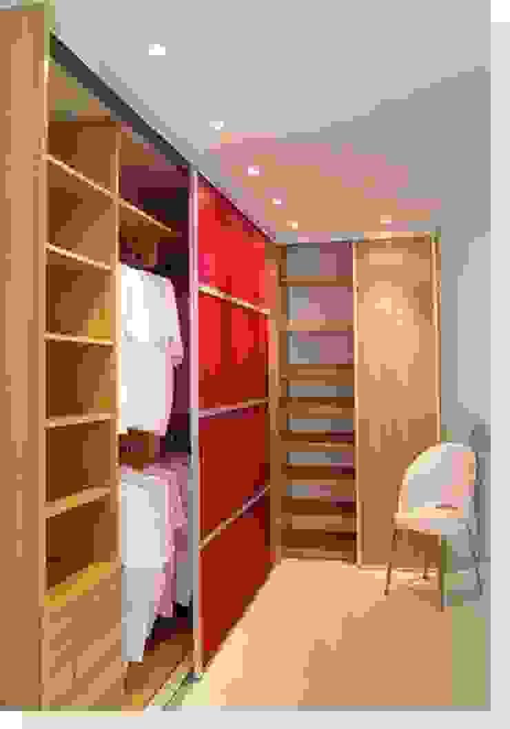 Modern Dressing Room by Daniela Tolotti Arquitetura e Design Modern