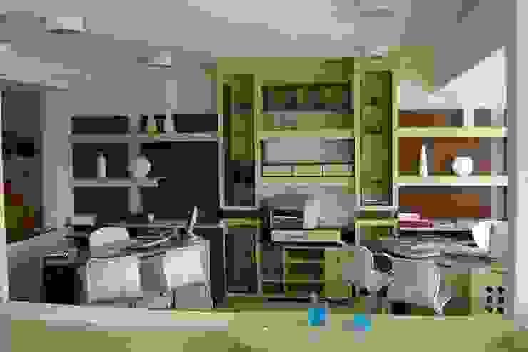 Modern Study Room and Home Office by Daniela Tolotti Arquitetura e Design Modern