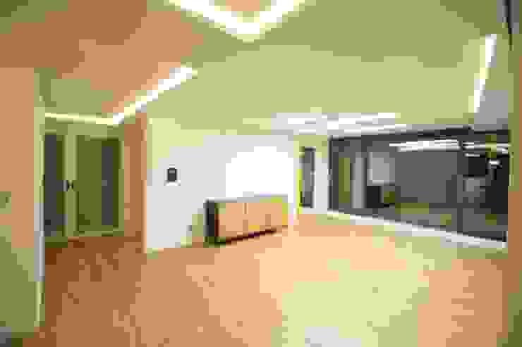 부천 중동 사랑마을/보람마을 모던스타일 거실 by Old & New Interior 모던