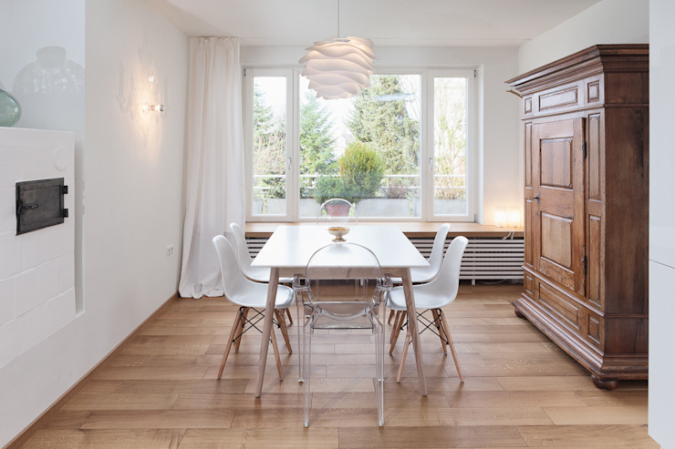 Ruang Makan Gaya Skandinavia Oleh Innenarchitektur-Moll Skandinavia