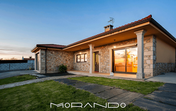 Houses by MORANDO INMOBILIARIA