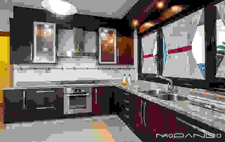 Nhà bếp phong cách mộc mạc bởi MORANDO INMOBILIARIA Mộc mạc