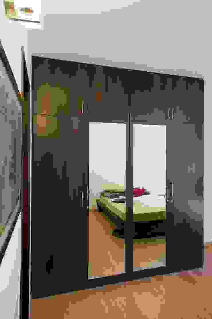 Skyline casa 3BHK Apartment in Richmond Road: modern  by Eraser IEB,Modern