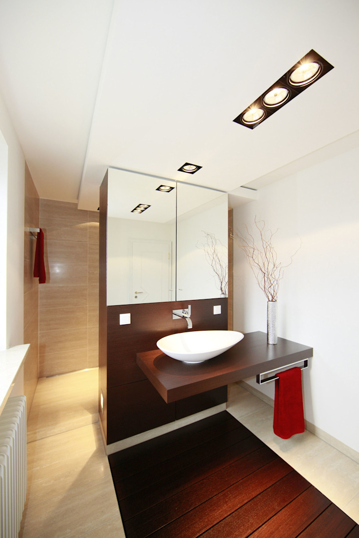Modern bathroom by Fichtner Gruber Architekten Modern