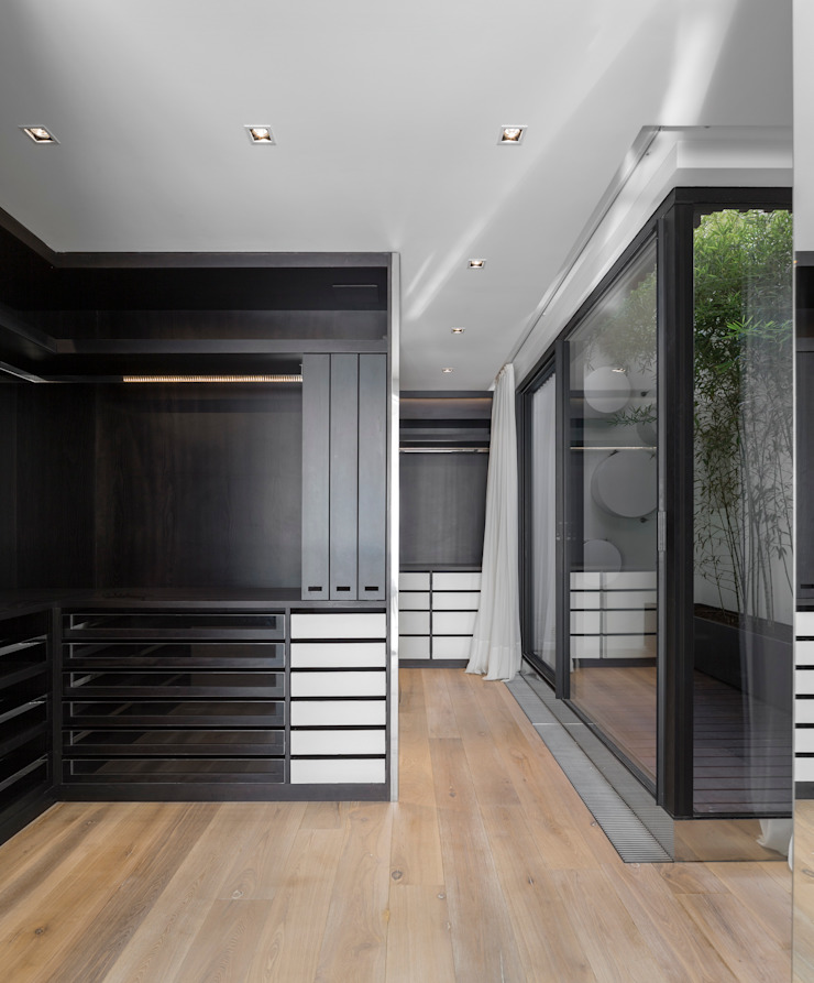 RRJ Arquitectos Modern style dressing rooms