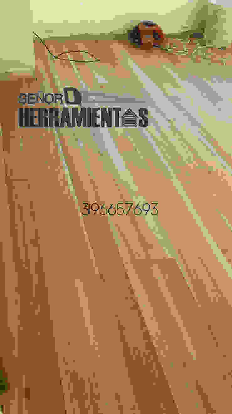 Reemplazo de alfombra por pisos de madera maciza Habitaciones modernas de Señor herramientas Moderno
