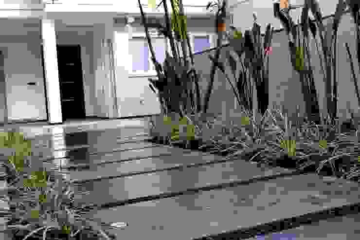 Jardines modernos: Ideas, imágenes y decoración de TM&LH_ arq.arte - Tatiana Moraes e Lucia Helena Moderno