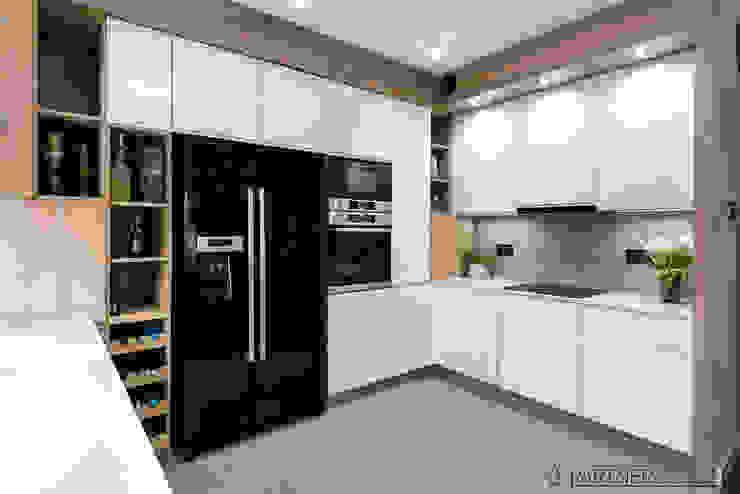 Modern kitchen by Q2Design Modern