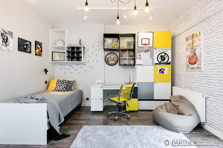 Nursery/kid's room by Partner Design,