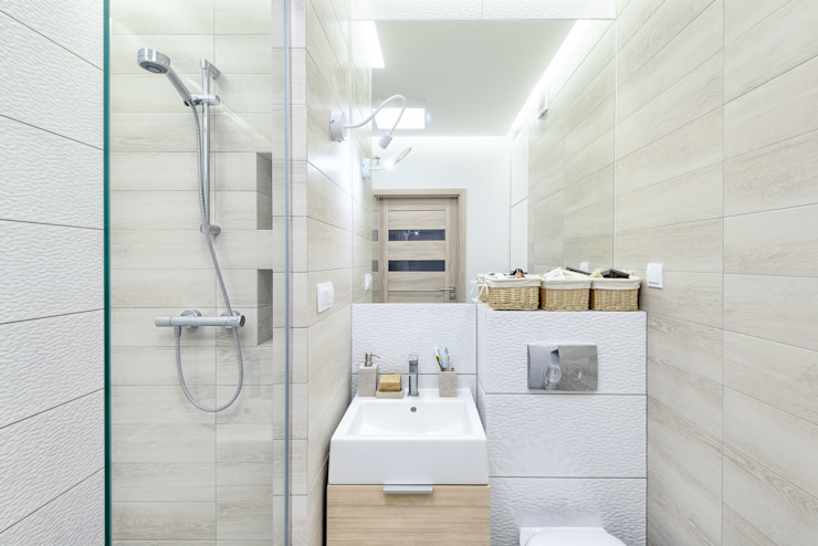 Modern style bathrooms by Q2Design Modern