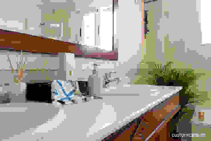 custom casa home staging Classic style bathroom