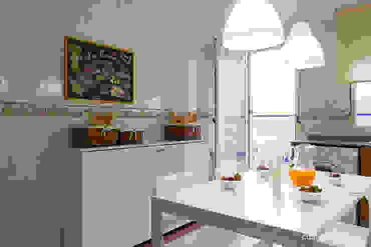 custom casa home staging KitchenStorage