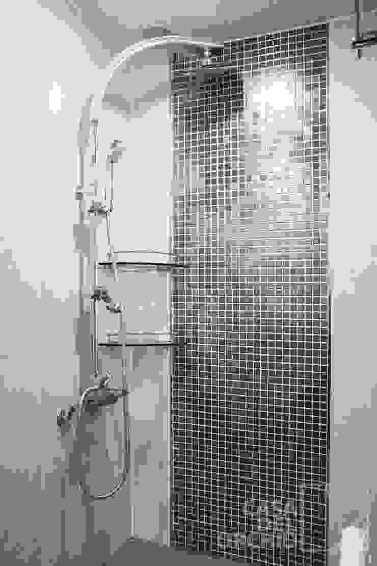 モダンスタイルの お風呂 の 까사델오키드 モダン