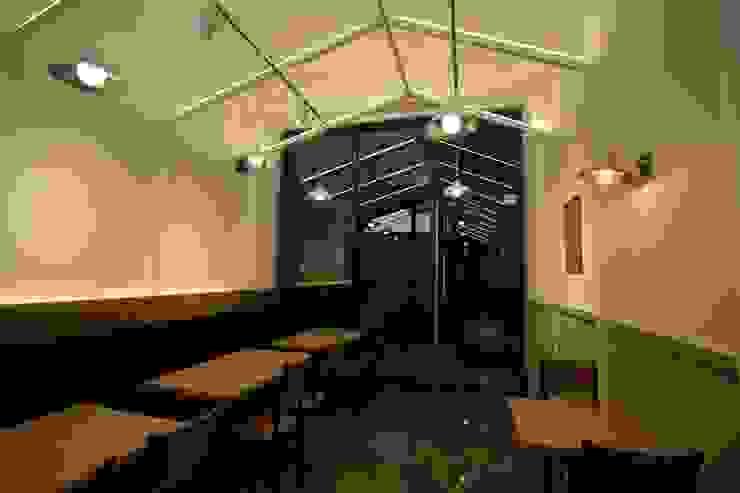 Locales gastronómicos de estilo  de 길 디자인 스튜디오 GIL DESIGN STUDIO
